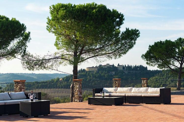 Pratale outdoor lounge area