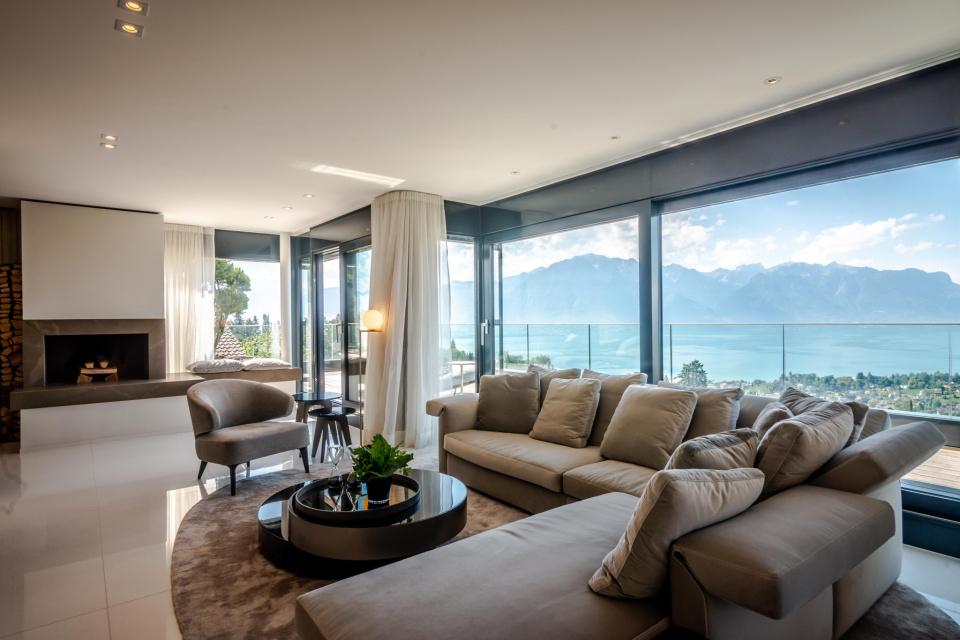 Montreux Living Rm