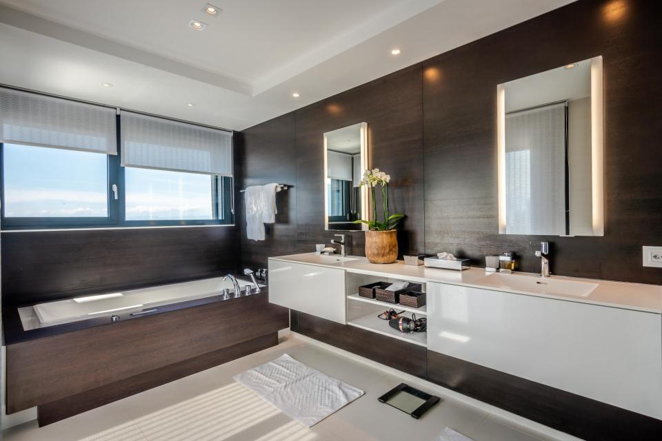 Montreux Master Bath